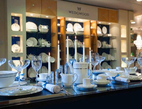 Look at the beautiful Wedwood shop