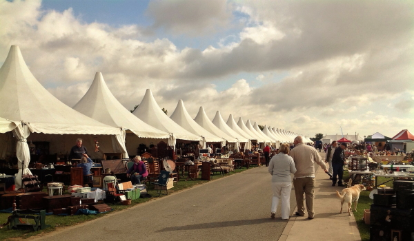 Browsing the antique fairs