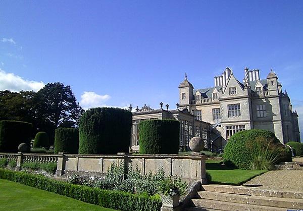 Stoke Rochford gardens