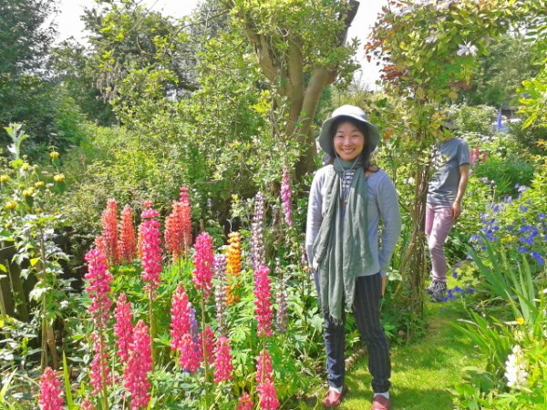 Visiting private gardens
